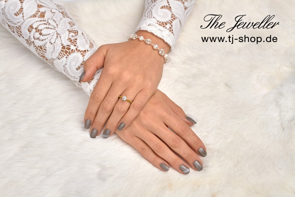Jewelry - Still - Social Media