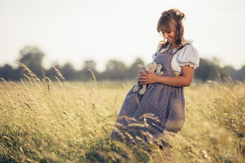 Schwangerschaftsshooting_Schwangerschaftsfotografie_IrisWoldt_F_J_ 6